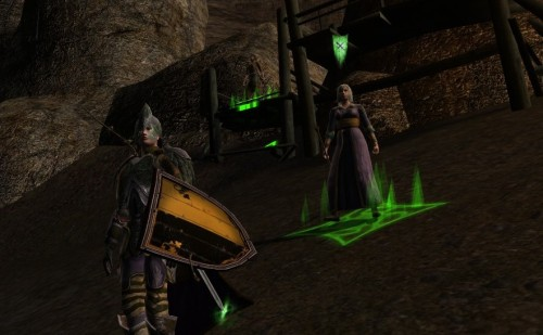 Prydwen, meu personagem de Lord of the Rings Online, e Edhilwen a herbalista élfica que o segue em batalha (um personagem do computador), se preparam para a defesa do Vau de Bruinen contra as forças da escuridão enviadas pelo Witch-King de Angmar.